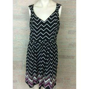 WHBM Woman's Dress Chevron Pleated 100% Silk